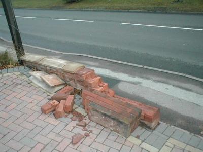 brokenwall400